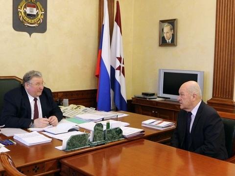 Глава Мордовии обсудил работу Ковылкинского электромеханического завода с его руководителем