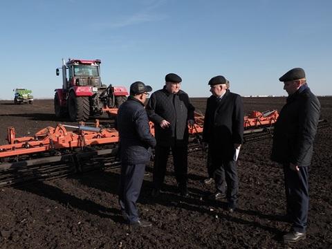 Глава Мордовии проинспектировал ход весенне-полевых работ в Лямбирском и Старошайговском районах республики