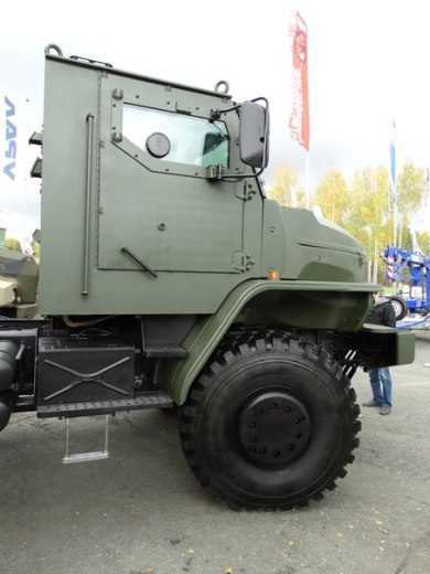The Russian Military Automotive Fleet - Page 2 7nqibfsi73s