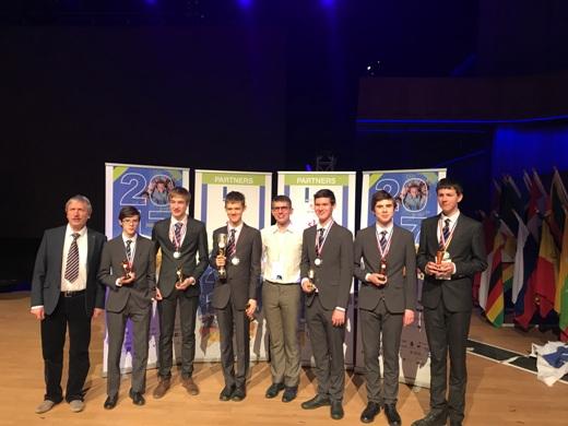 Русские школьники завоевали шесть золотых наград намеждународной естественнонаучной олимпиаде юниоров