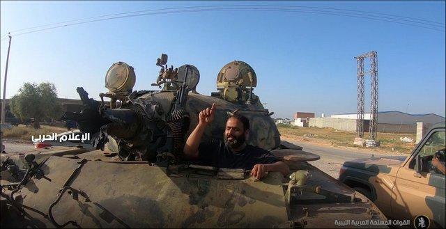 غنيمة طريفة للجيش الوطني الليبي Siriya_1
