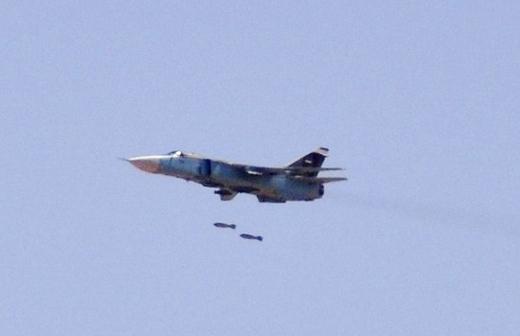 ВВС Сирии начали использовать против террористов ИГИЛ самые массивные бомбы