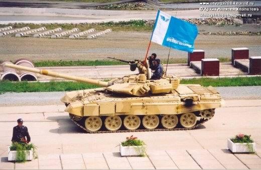 تسليم 86 دبابة t-90s للجزائر في 2012 Otvaga2004_t90_01